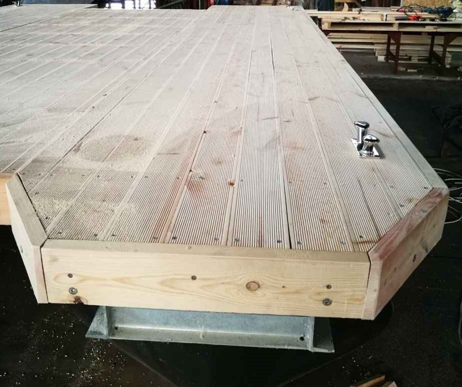 Decker drewna na sider